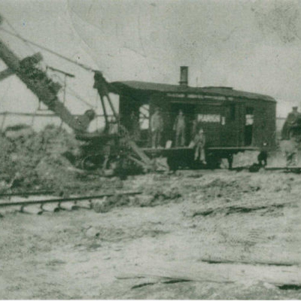 1887 – Construction de la voie ferrée