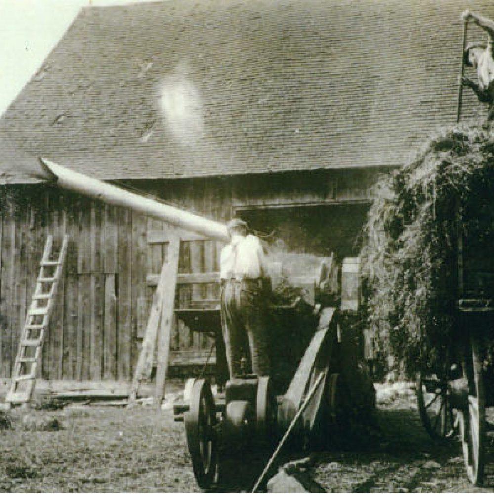1920 – Presse à foin