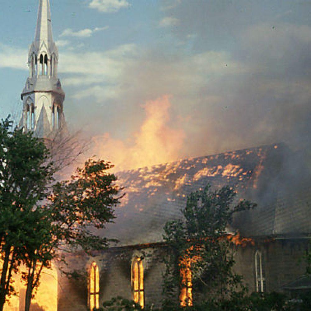 1972 – Incendie de l'église