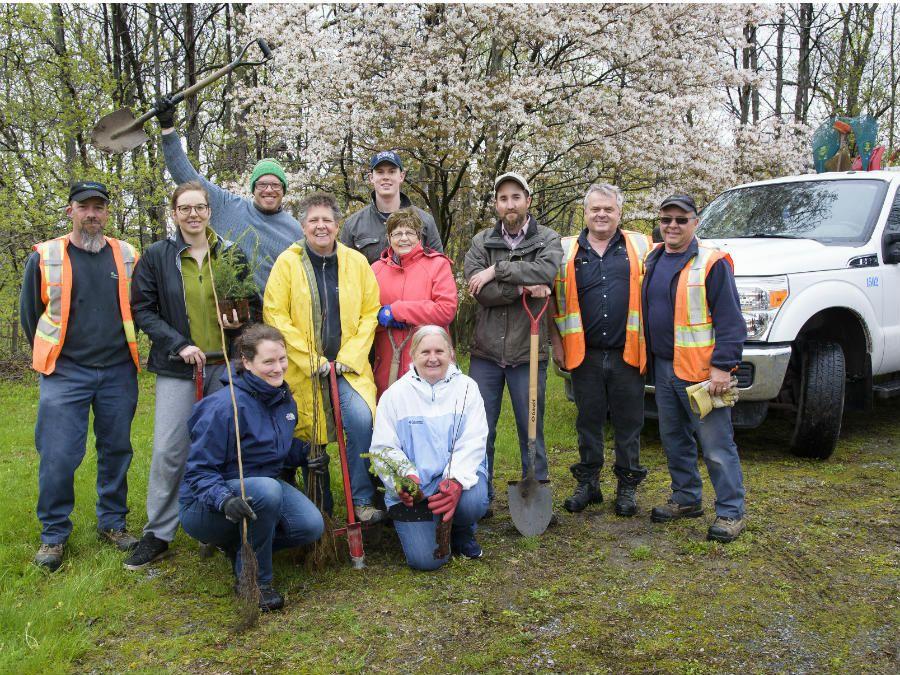 Saint-Philippe plante 1 000 arbres pour son 275e